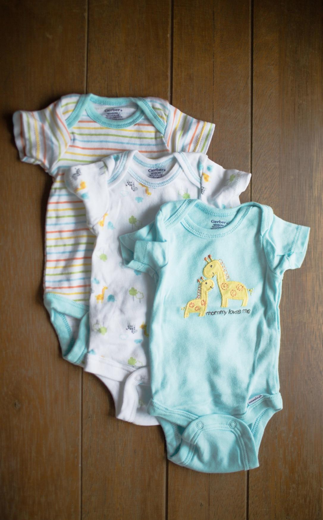 Gerber Newborn Baby Boy or Girl Assorted Short Sleeve Onesies, Gender Neutral 3-Pack