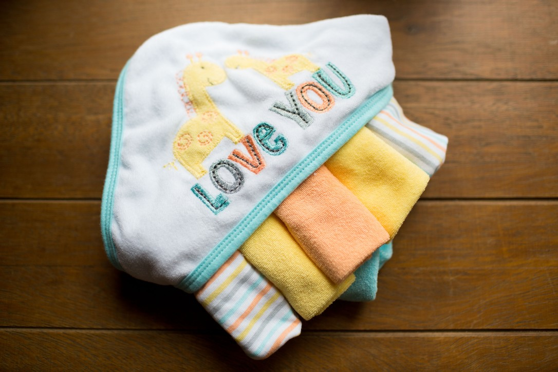 Gerber Newborn Baby Boy or Girl Unisex Towel and Washcloth Bath Gift Set, 12-Piece, Gender Neutral